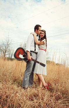 Love this vintage #engagement #portrait with the #guitar
