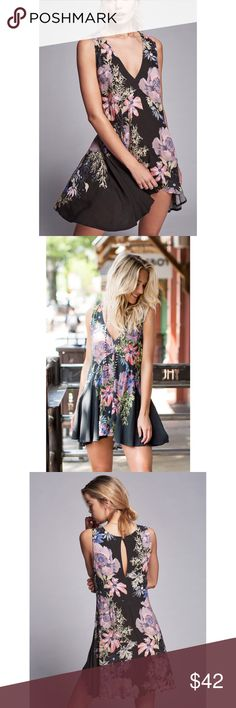 NWT Free People Backyard Tunic Stunning, new with tags Free People Tunic. Adorable print and perfect for spring/summer! Size xs. Free People Tops Tunics