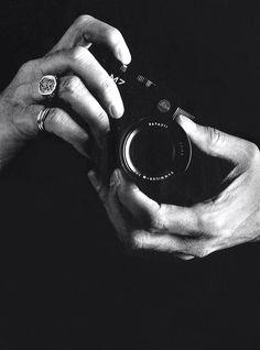 Hands: Eric Clapton. Tool: Leica M7.