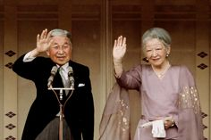 misshonoriaglossop:  Well-wishers gathered to celebrate Emperor Akihito's 80th birthday at the Imperial Palace in Tokyo, December 23, 2013-Emperor Akihito and Empress Michiko.