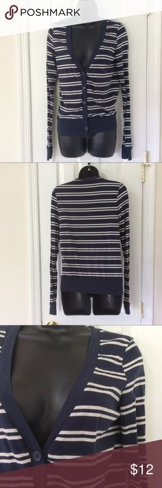 Navy White Stripe Button Up Lightweight Cardigan 🚭 Items from smoke and pet free home 📬Fast same or next day shipping 🚩Any flaws are noted in description/photos ♻️Packaging recycled/reused-please recycle ❓ Please reach out with any questions!❔ 🕶 Like/follow for frequent sales/new inventory 👙Thank you for visiting my closet                           Made of lightweight cotton/spandex material. Tops