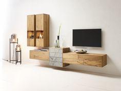 Eine Bereicherung: Echter Stein und echtes Holz! Eine Wohnwand zum Verlieben.