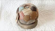 Tutorial sfera punta spilli: esagoni e pentagoni Soccer Ball, Pin Cushions, Applique, Patches, Quilts, Pretty, Youtube, Videos, Scrappy Quilts
