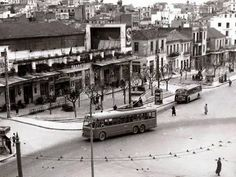 Old Pictures, Old Photos, Old Greek, Urban City, Athens Greece, Historical Photos, Past, Street View, History