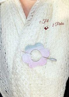 Broche Fleur Rose et Gris en Argile Polymère Coeur Fimo