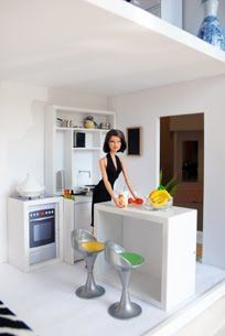 Modern Mini Houses: I could be a Barbie Girl in this Barbie World