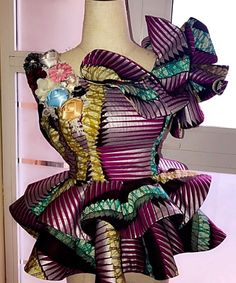 New Ankara 2019 PEPLUM ANKARA DESIGNS became a real hit of the new fashion season. Ankara fabrics are perfect for any peplum style you can think of. African Wear Dresses, African Fashion Ankara, Latest African Fashion Dresses, African Print Fashion, African Attire, Ankara Designs, Ankara Styles, African Tops, African Blouses