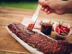 Mit der richtigen Marinade verleihen Sie Ihrem Grillfleisch ein unverwechselbares Aroma.
