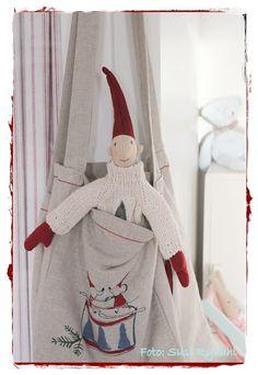 I får lige lidt billeder fra vores stue fra Julen 2011 og hvis i har lyst kan i jo kigge forbi Velkommen Hos Indretning Med Farver , der ha...