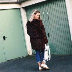 @tyciadchannel is wearing our Rollitbag - white spattered #mees  #rollitbag  #instafashion  #leatherbags  #conceptstore  #ootd  #premierevision  #pittiuomo #highsnobiety  #tradeshow  #fashionblogger  #fashionweek  #capsuleshow  #seekberlin  #whitetradeshow  #agendashow  #libertyfairs  #tranoi #fillingpieces #etq #mason garments #vogue #tranoi #mensstore #permierevision #lineapelle #antisocialsocialclub #dailypaper #herschel #kith