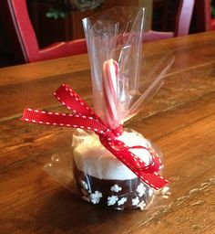Easy country kitchen idea:   marshmallow pops with the jumbo marshmallows dipped in choc. and candy cane sticks