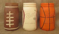 Sports Mason Jars Football Baseball by LoveRusticallyYours on Etsy; Bet you could make these easily yourself! Mason Jar Projects, Mason Jar Crafts, Bottle Crafts, Diy Projects, Mason Jars, Bottles And Jars, Glass Jars, Theme Sport, Baseball Crafts