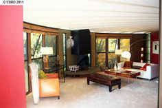 [Living Room] : Contemporary Living Room Design With Rattan Couch With White Cushion Along With Attractive Coffee Table Also Vase Of Flower And Available Kitchen And Dining Area Along With Ceiling Fan Glass Door With Bay Window Open Kitchen Interior, Kitchen Design Open, Kitchen Designs, Living Room Designs, Living Room Decor, House Design Pictures, Family Room Design, Family Rooms, Round House