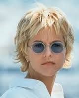 Meg ryan haircuts … - Peinados Shaggy Short Hair, Short Shag Hairstyles, Short Thin Hair, Haircuts For Fine Hair, Short Hair With Layers, Layered Haircuts, Cool Hairstyles, Choppy Layers, Shaggy Haircuts