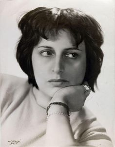 Anna Magnani, 1940-1945 - -  Ombre e luci (1920 – 1960). Volti del Cinema nei ritratti di Manlio Villoresi [Shadows and lights (1920-1960). Cinema faces in the portraits of Manlio Villoresi] exhibition @ Museo di Roma - Palazzo Braschi #AnnaMagnani #Magnani