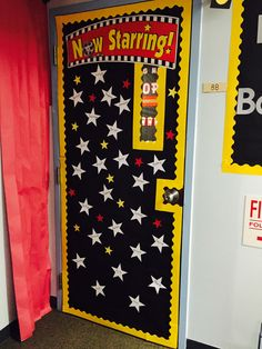 Hollywood theme classroom door- now starring! Hollywood theme classroom door- now starring! Stars Classroom, Classroom Door, School Classroom, Classroom Themes, Star Themed Classroom, Movie Classroom, Class Door Decorations, Class Decoration, Movie Decor