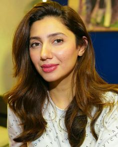Look at her face 😍 interviewed by for . Most Beautiful Faces, Most Beautiful Indian Actress, Beautiful Actresses, Beautiful Women, Pakistani Actress, Bollywood Actress, Mahira Khan Pics, Kurti Designs Party Wear, Sonam Kapoor