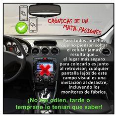 Para todos aquellos que no piensan soltar el celular jamás, resulta que…  #Sarcasmo #Celular #Accidente #CampoVisual