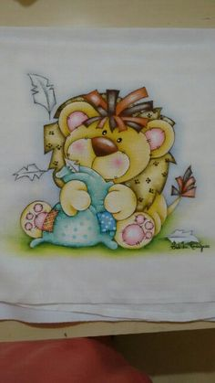 By Cidinha Martins Fabric Painting, Baby Quilts, Safari, Stencils, Coloring, Tutorials, Drawings, Baby Coming, Baby Painting