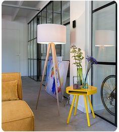 Wood tripod floor lamp € 199.00