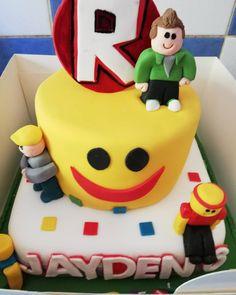 Roblox birthday cake! #6thbirthday #birthday #birthdayboy #son #cake #bake #bakeacake #professionalcake #roblox #robloxcake #robloxbirthday #boys #amazing #birthdaycake #love @lorrainewinder Roblox Birthday Cake, Roblox Cake, 9th Birthday Cake, 9th Birthday Parties, Baby Birthday, Lego Roblox, How To Use Fondant, Cake Boss, Cakes For Boys