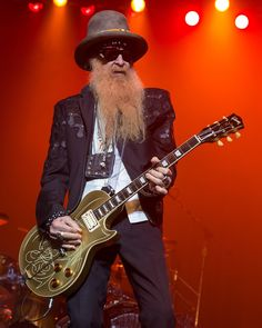 Billy Gibbons of ZZ Top performing in San Antonio, Texas Billy Gibbons Guitar, Billy F Gibbons, Rock And Roll, Texas Music, Blues, Les Paul Guitars, Zz Top, Canada, I Love Music