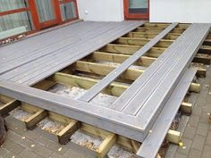 Design Ideas For Your Deck Terrasse Design, Floating Deck, Deck Construction, Diy Deck, Building A Deck, How To Level Ground, Ground Level Deck Plans, Little Houses, Backyard Patio