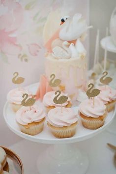The Little Big Company 's Birthday / Swan theme - Photo Gallery at Catch My Party Distintivos Baby Shower, Fotos Baby Shower, Gateau Baby Shower, Carnival Birthday Parties, First Birthday Parties, Birthday Party Themes, First Birthdays, Birthday Ideas, Birthday Cupcakes
