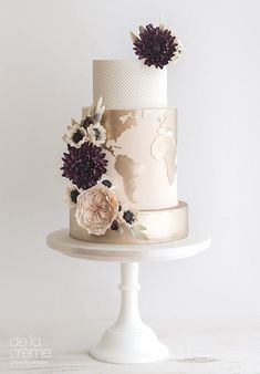 Copper and rose gold wedding cakes | see them all on www.onefabday.com #goldweddingcakes