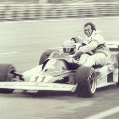 yeyovox:  Niki Lauda and Emerson Fittipaldi 1977 #f1 #legends