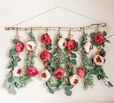 Flower Wall Backdrop, Hanging Flower Wall, Wall Backdrops, Floral Backdrop, Floral Garland, Flower Wall Decor, Flower Garlands, Diy Hanging, Flower Decorations