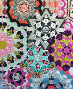 Linda's Quiltmania: The New Hexagon Millefiore Rosette 8 Hexagon Patchwork, Hexagon Quilt, Millefiori Quilts, Kaleidoscope Quilt, Paper Piecing Patterns, Book Quilt, English Paper Piecing, Thing 1, Quilting Designs