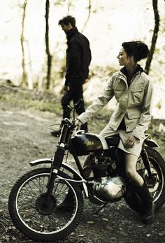 BSA - cool picture style for engagement photos....