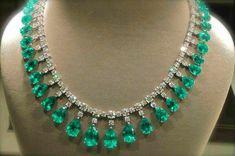 Spike Necklace, Gemstone Necklace, Turquoise Necklace, Paris Magic, I Love Jewelry, Fine Jewelry, Jewellery Rings, Prasiolite, Emerald Jewelry
