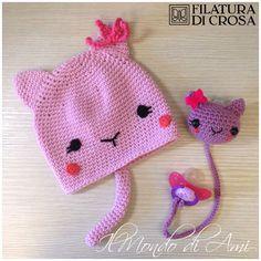 """Berrettino gattoso per bimba e portaciuccio realizzati con filato """"Zara"""" Filatura di Crosa #amigurumi #handmade #crochet"""