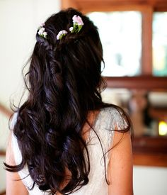 To see more gorgeous wedding hairstyles: http://www.modwedding.com/2014/11/25/not-love-wedding-hairstyles/ #wedding #weddings #hair #hairstyle Photographer: Scott Clark Photo