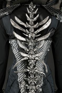 Mother Malkin's Double Vertebrae Dress Costume worn by Juliette Moore in Seventh Son Dark Fashion, Gothic Fashion, Character Inspiration, Style Inspiration, Cool Outfits, Fashion Outfits, Halloween Disfraces, Character Outfits, Costume Dress