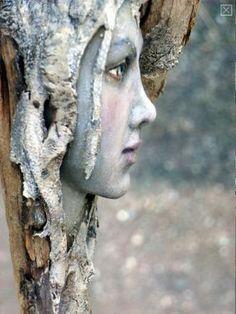 Beautiful wood sculpture by Tatjana Raum- Wood Art Sculpture Sculptures Céramiques, Wood Sculpture, Sculpture Head, Outdoor Sculpture, Wood Nymphs, Tree Faces, Tree Carving, Driftwood Art, Magazine Art