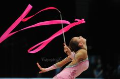 Daria Dmitrieva of Russia performs at 2011 World Cup at Portimao, Portugal #rhythmic_gymnastics