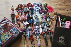 Huge Lot of Monster High Dolls and Accessories
