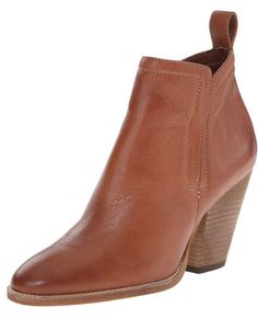 Dolce Vita Hastings Boots http://allthoseshoes.com/shop/dolce-vita-hastings-boots/ #ankleboots #classic #leather #boots