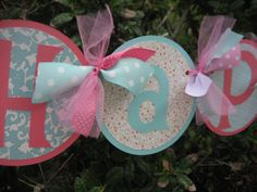 I made a similar Minnie Mouse one for Ella's 2nd bday. I like the use of the ribbon with this one!