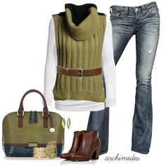 Nothing speaks Fall like brown & green. Perfect for walking around downtown or having lunch with the girl friends.