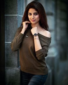 Indian Sexy Girls Who Make Up the Internet - Wallpaper Artis India Stylish Girl Images, Stylish Girl Pic, Fashion Photography Inspiration, Cute Celebrities, Celebs, Indian Models, Women's Fashion Dresses, Indian Beauty, Girl Pictures