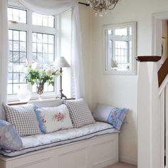 Little Emma English Home: Cottage style-window seat. Cottage Living, Cottage Style, Living Room, White Cottage, Cozy Cottage, Italian Cottage, Home Interior, Interior Design, 1930s House Interior