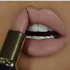 This lip color is amazing - Make Up - Makeup Goals, Makeup Inspo, Makeup Inspiration, Makeup Tips, Nude Lipstick, Lipstick Colors, Lip Colors, Makeup Lipstick, Mac Lipstick Shades