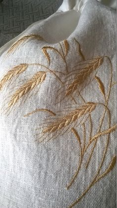 Bread bag Embroidered linen bread bag bread storage bag, eco friendly bread bag Kitchen storage Wheat Linen drawstring bag : Embroidered linen bread bag bread storage bag by SanpoEmbroidery Hand Embroidery Stitches, Crewel Embroidery, Hand Embroidery Designs, Cross Stitch Embroidery, Embroidery Patterns, Machine Embroidery, Bread Bags, Linen Placemats, Embroidered Bag