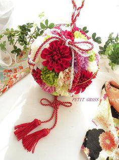 結婚式和装・前撮りから使える「和のボールブーケ」 | 結婚式ブーケ・着物の髪飾りをオーダーメイド~和装前撮り・結婚式の演出に