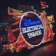 """""""It's electric! #ElectricalParade (Photo: @belmontave)"""""""