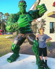 Everyone needs a picture with The Hulk... at least once!  #kids #pizza #and #movie #night  JGP M.D.